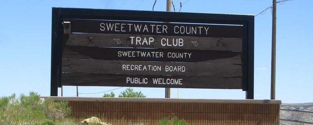 Trap Club Sign
